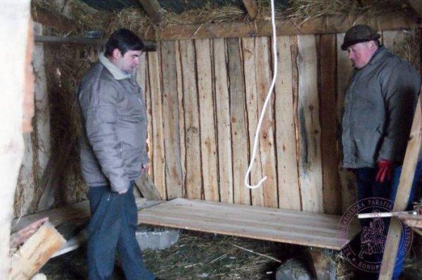 2009_12_budowa_szopki_42.jpg