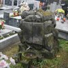Groby na cmentarzu - październik 2009